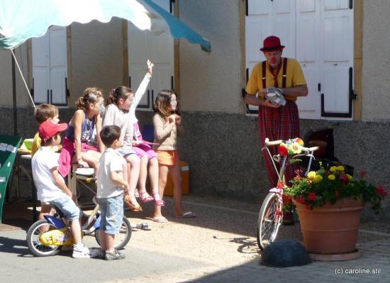 Spectacle de rue avec les enfants.